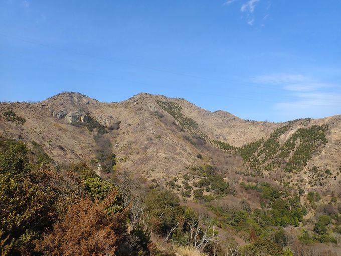 兵庫県高砂市から加古川市に伸びるスケールある岩稜