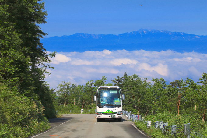 飛騨高山からバスを乗り継いで畳平(標高約2700m)へ