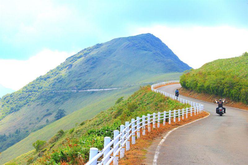 某CMにも登場!西日本最高峰の石鎚山系を走る「UFOライン」の全貌