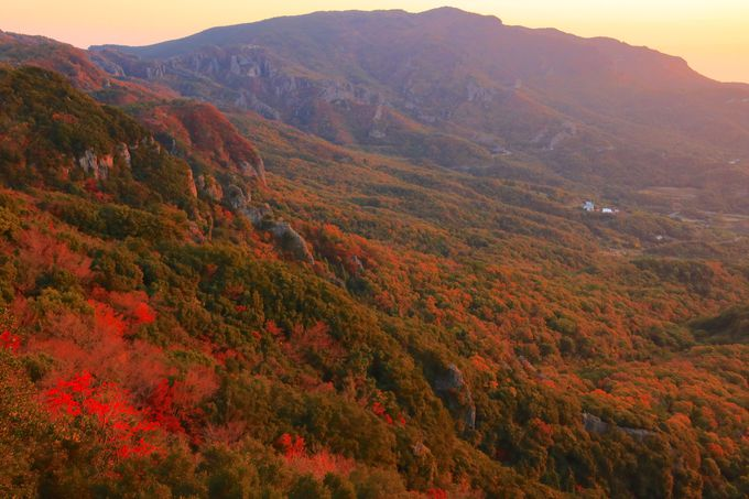 鳥肌が立つような断崖絶壁の絶景!「西寒霞渓の一枚岩」