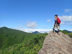 どちらを選ぶかは貴方次第!?三重県「伊勢山上」で岩場の修行体験