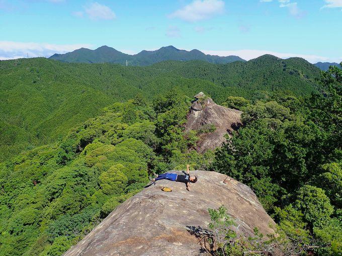 「伊勢山上」は冒険心を掻き立てられる天然のアスレチック!