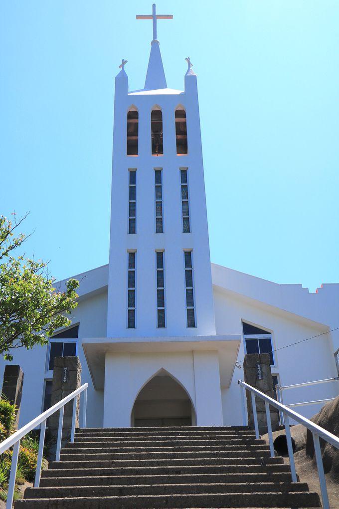 風光明媚な海とのコラボレーションが美しい「桐教会」