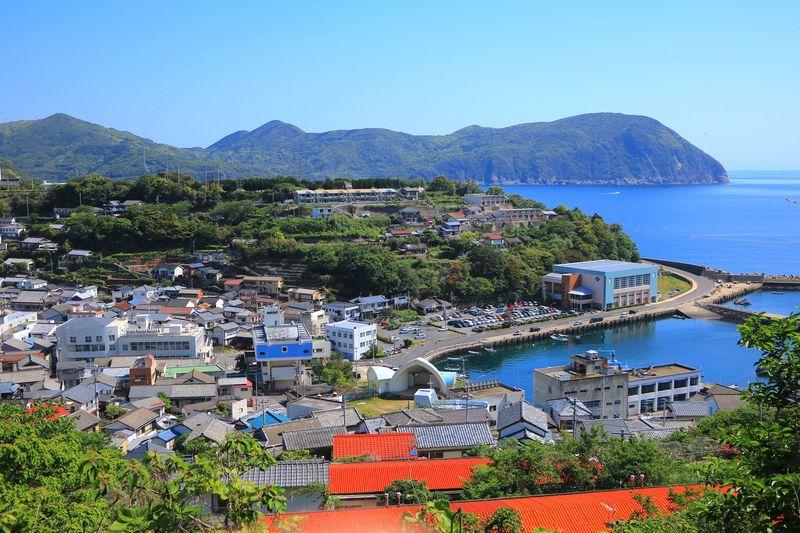町と海が見事に調和!上五島南部にある最大の港町「奈良尾」