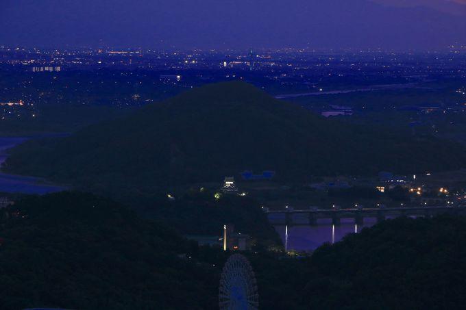 伊吹山だけじゃない!木曽川に佇む「犬山城」の夜景も