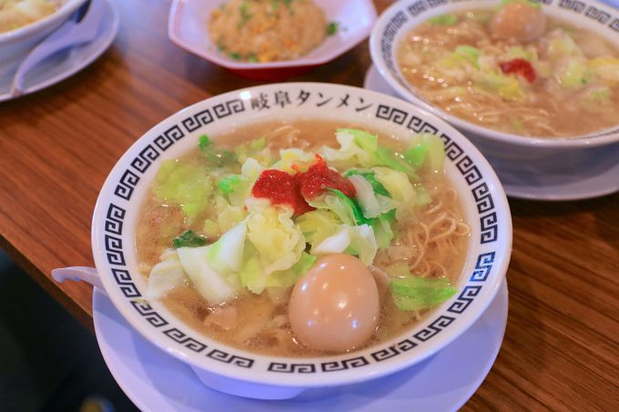 トッピングと酢もやしで変幻自在「岐阜タンメン」の味わい方