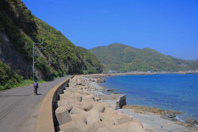 瀬戸内海の海道を彷彿!東風泊湾を横目に走る奈留島「県道168号線」