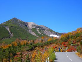 どこを見ても絶景!北アルプス「乗鞍岳」に彩る紅葉は錦絵のよう