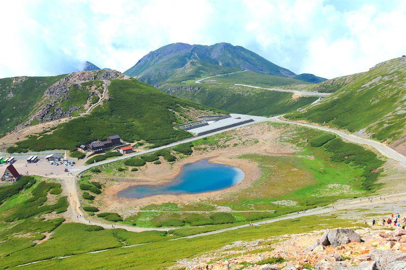 バスで近くまでアクセス可!乗鞍岳4つのピークでアルプスの絶景を