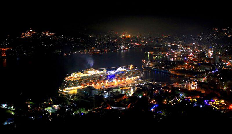 豪華客船とのコラボも!長崎「鍋冠山公園」の夜景にうっとり
