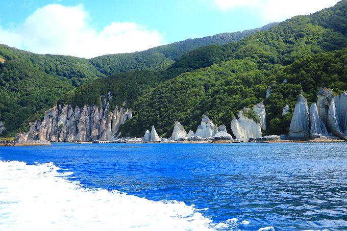 本州最北端から15km!日本一美しい村「佐井」から遊覧船で