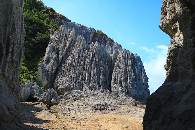 蓬莱山に極楽浜も!仏ヶ浦を構成する仏教的奇岩群