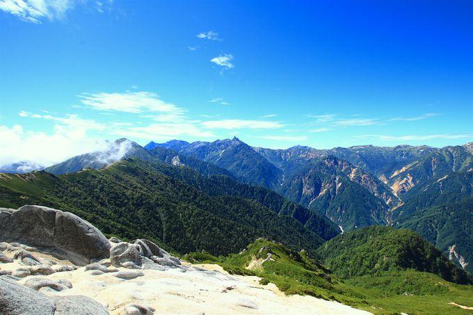 山頂を満喫したら燕山荘で休憩タイム!