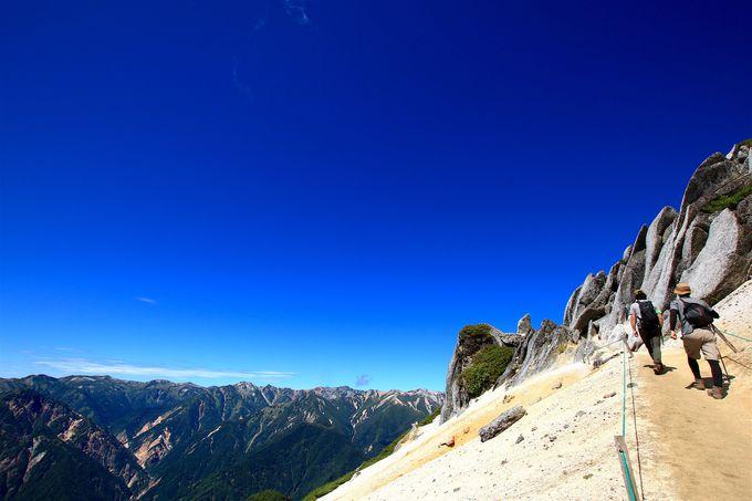 花崗岩の造形美も!「燕岳」合戦尾根から広がる絶景