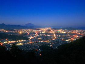 富士山と夜景のコラボ!静岡市「朝鮮岩」に広がる感動の絶景