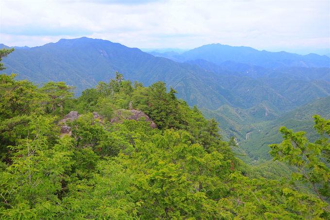 周回コースが魅力!冒険心くすぐる「鳳来寺山」