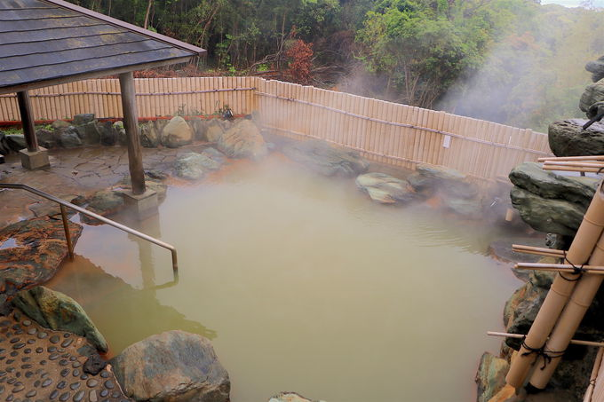 鉄分豊富な湯に癒される!「鬼岳温泉」で極楽なひととき