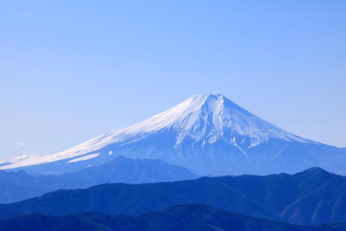 """「大岳山」まで足を伸ばし""""富士山""""の絶景を!"""