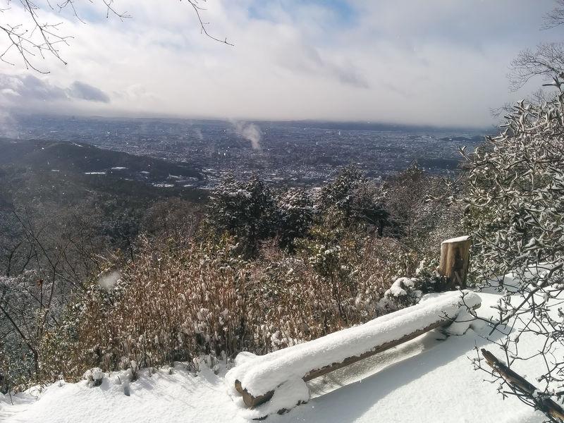 冬の京都「大文字山」登山!低山とは思えない抜群のスケールと雪景色