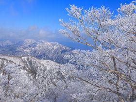 手軽に雪山世界へ!三重「御在所岳」の樹氷パノラマが美しすぎる