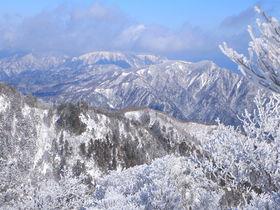 冬の鈴鹿山脈は絶景!初心者から中級者までおすすめの雪山4選