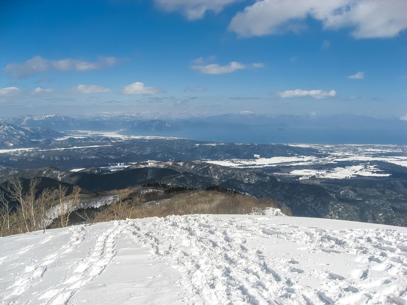 滋賀の隠れ絶景スポット「蛇谷ヶ峰」美しすぎる琵琶湖の雪景色