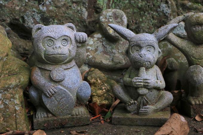境内に猿が250匹!?「男嶽神社」石猿群が面白い