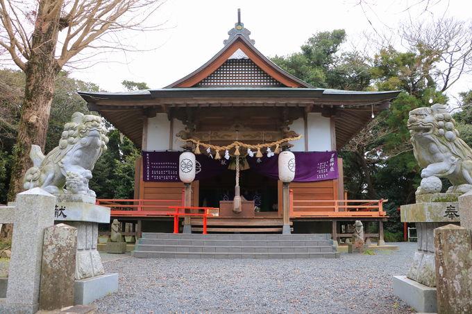 神話の世界を象徴!女嶽神社のパワースポット「巣食石」