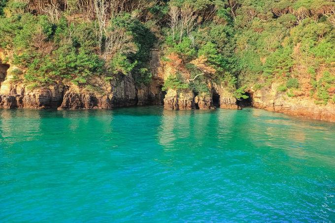 海の色が変わる?「海の宮殿」神秘のエメラルドグリーン