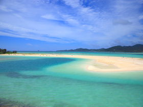 久米島本島に「もう一つのハテの浜」?新奥武橋に現れる神秘の絶景