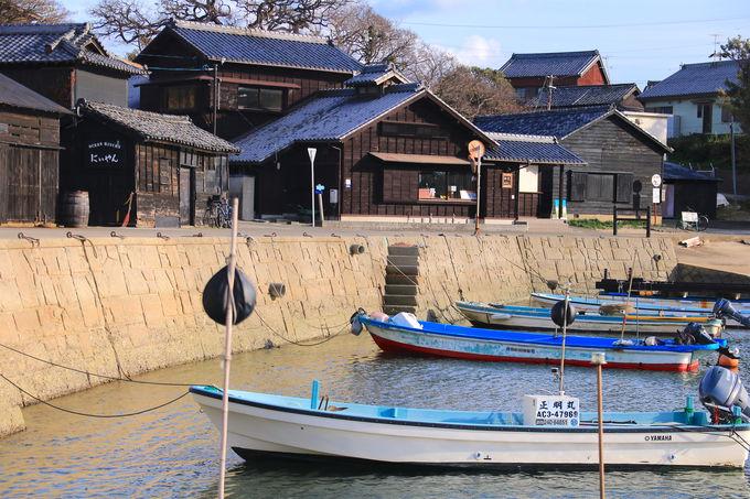 近くにはお昼寝ハウス!三河湾の黒真珠「佐久島の黒壁集落」