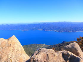 日本海の圧倒的パノラマ!福井・敦賀三山「西方ヶ岳」登山