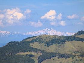 笹原稜線と御嶽山の展望!岐阜「白草山」へ爽快ハイキング