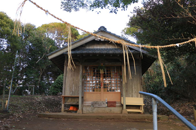 日本のモンサンミシェル!?歩いて海を渡る「小島神社」