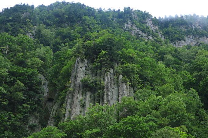 大雪山・旭岳の南山麓「天人峡」は道道213号の終点に!