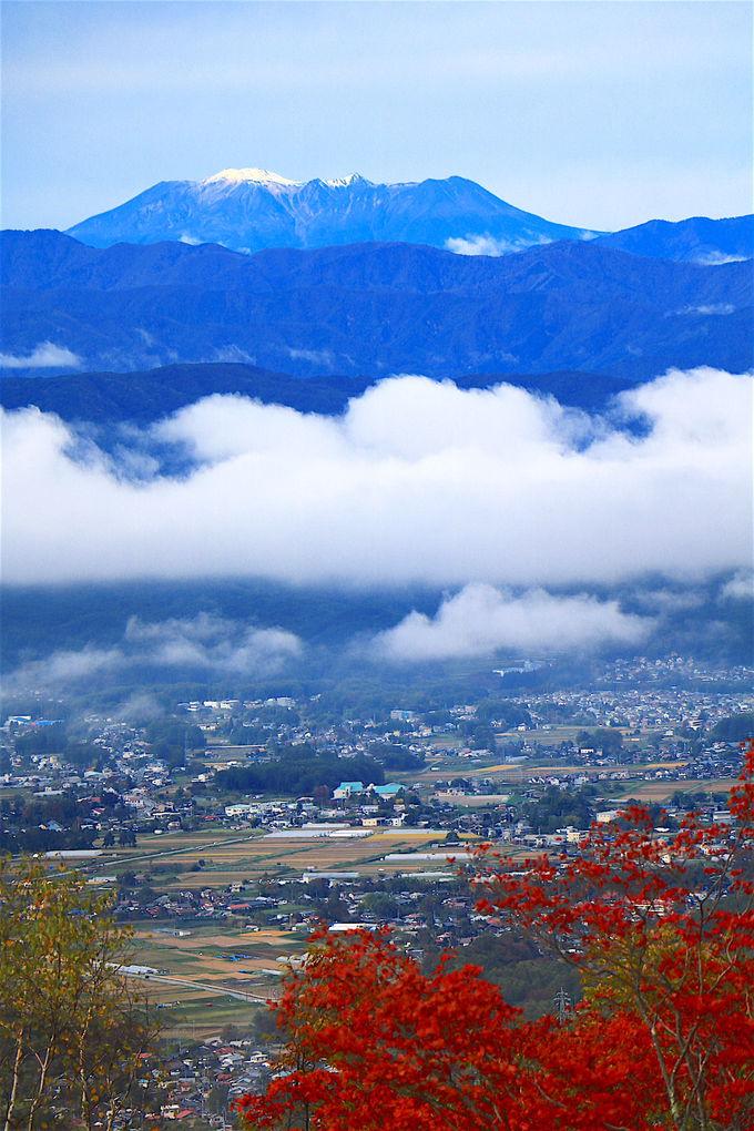 日本屈指の高峰も!「横谷観音展望台」紅葉の山肌が美しい