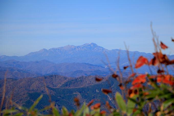 """山頂からは日本屈指の高峰群!下山後は秋の""""モネの池""""へ"""
