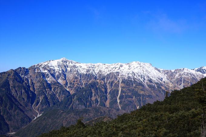 笠ヶ岳〜弓折岳のパノラマが広がる!絶景の「西穂丸山」