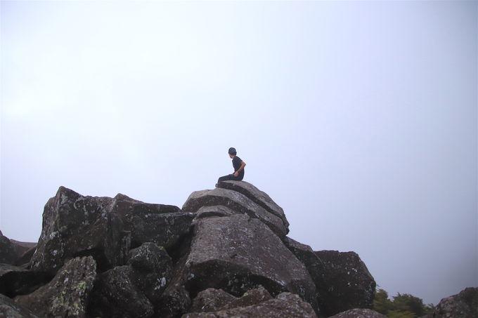池の近くを散策するも山頂を目指すもあなた次第