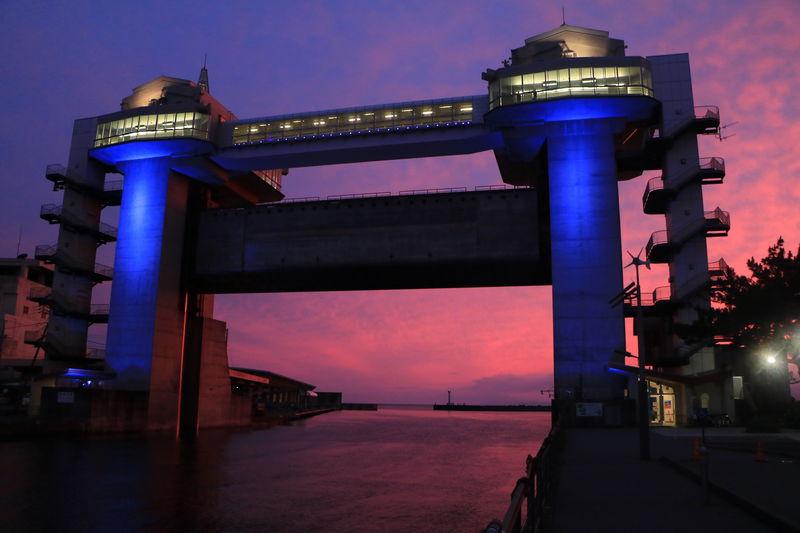 日没間際が狙い目!沼津港・大型展望水門「びゅうお」が絶景