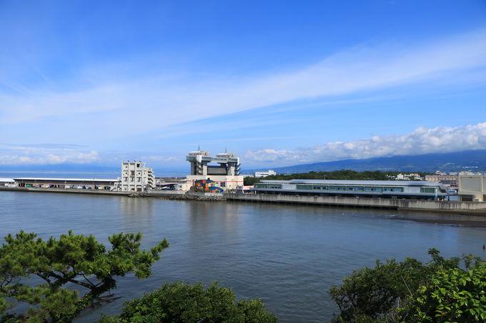 津波対策で作られた大型水門は、沼津のランドマーク!