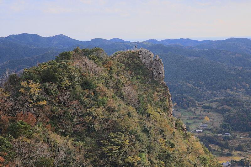 低山だけど達成感が凄い!房総のマッターホルン「伊予ヶ岳」登山