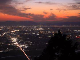 琵琶湖のトワイライト夜景が展開!近江富士「三上山」ナイトハイキング