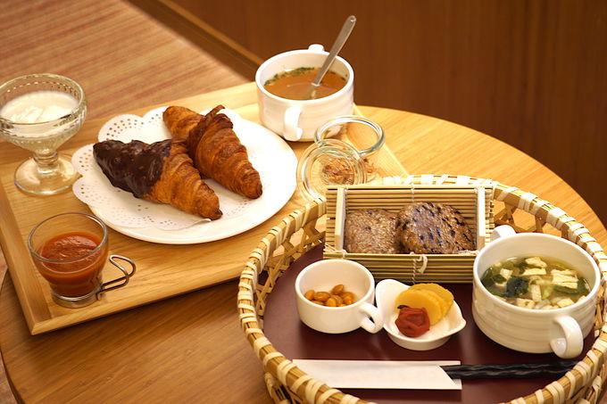 朝は選べる和洋の朝食をお部屋でのんびりと