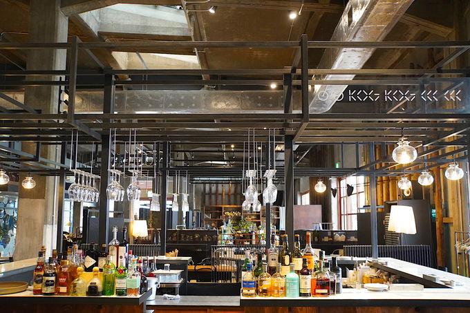 レストランやバーなど建物内には設備が充実