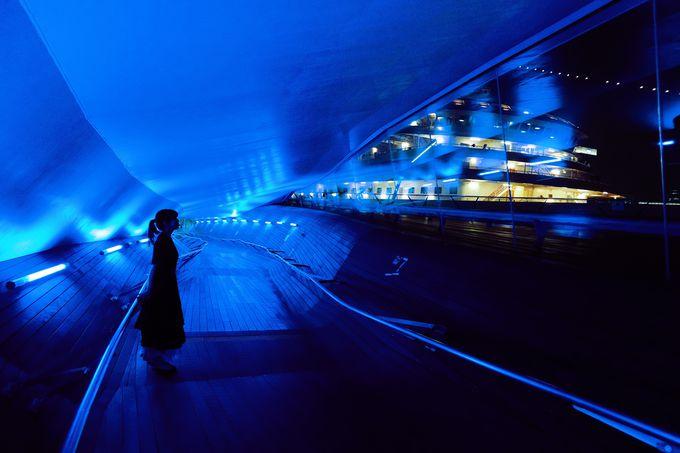 海を望む絶景スポットや歴史的建築物でBLUE(ブルー)に包まれる