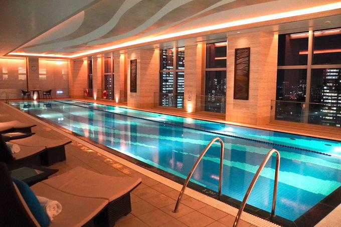 2000以上のアート観賞や絶景プール利用でホテル内を満喫