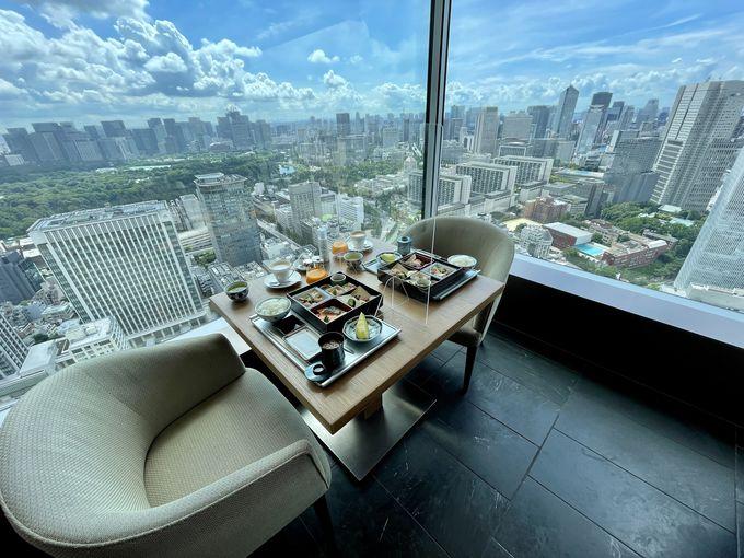 お部屋で景色を見渡しながらの朝食やアフタヌーンティーを