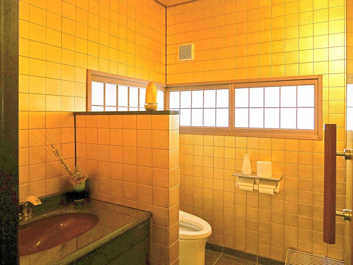 金箔作りを間近で見たら、2階のトイレを要チェック