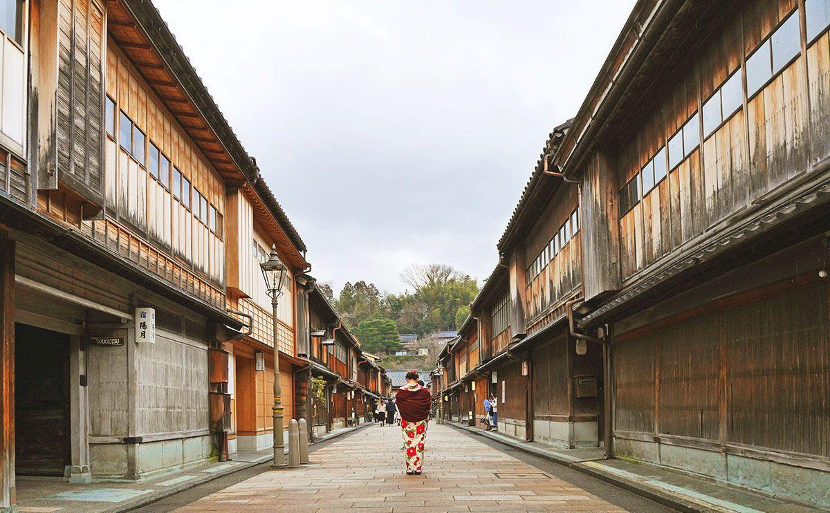 初めての金沢を3倍面白く!ガイドさんと巡るひがし茶屋街の魅力
